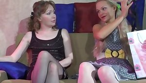 Leila and Dolly lesbian mature action