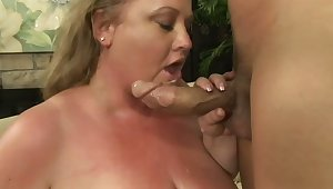 Sexy BBW with huge tits and big ass shows that having a big body is awesome
