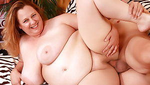 Older Plumper with Juicy Natural Boobs Winter Wolf Loves a Long Cock